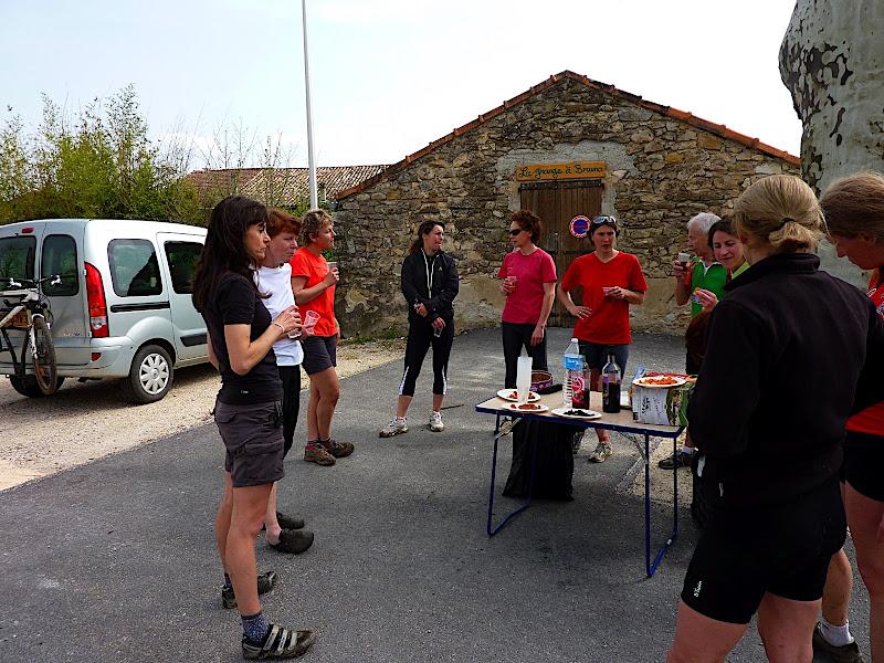 RENCONTRE AVEC LES FILLES DU CTAV LE DIMANCHE 3 AVRIL 2011 P1020202