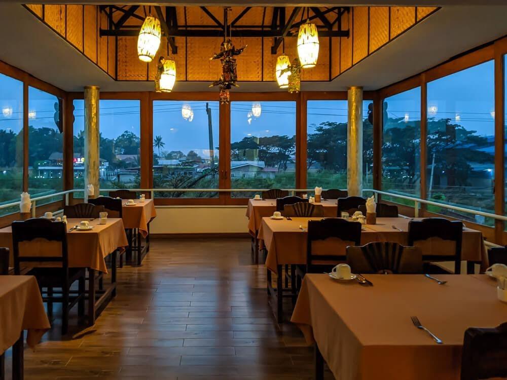 restaurant spring inle lodge Myanmar Inle Lake hotels