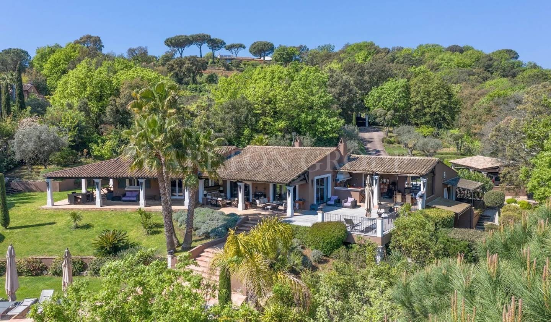 Villa with terrace Gassin