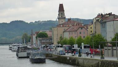 Photo: Donaukai Passau; Rathausturm
