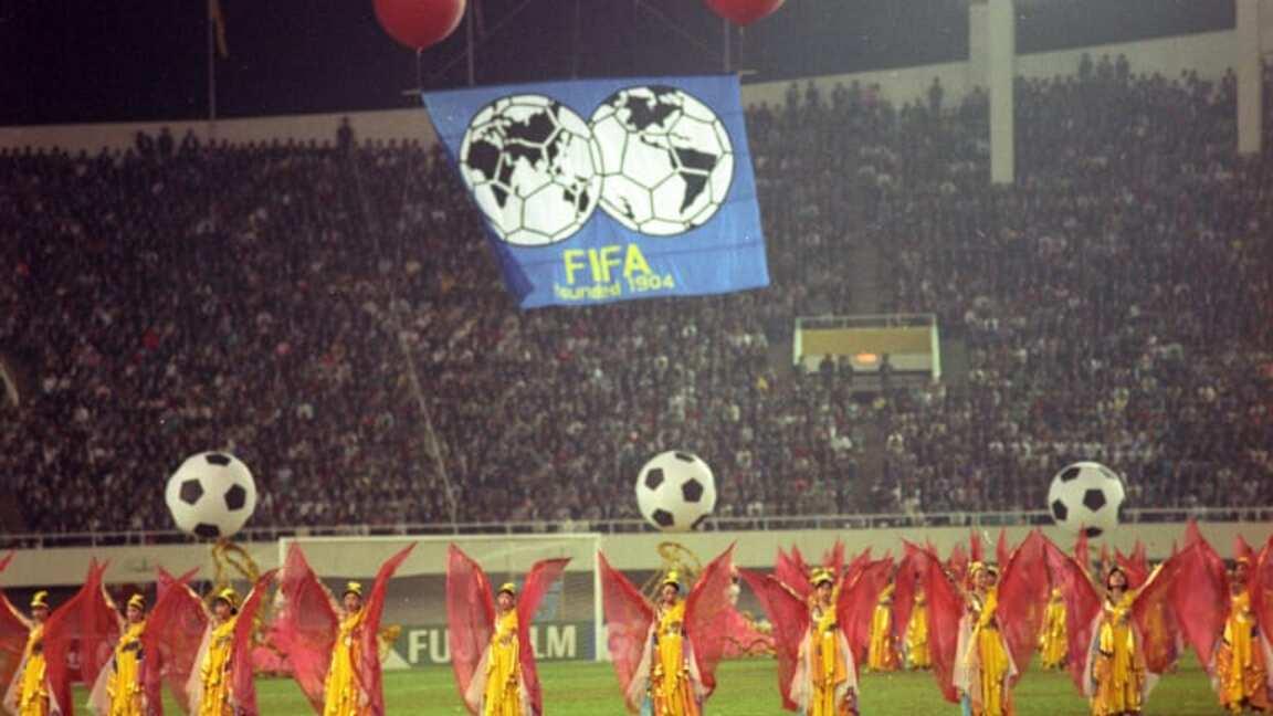 FIFA Women's World Cup đầu tiên được tổ chức tại Trung Quốc.