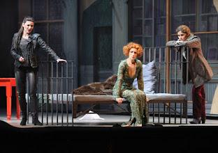 Photo: Wiener Staatsoper: LA CLEMENZA DI TITO - Inszenierung Jürgen Flimm. Premiere 17.5.2012. Chen Reiss, Juliane Banse, Serena Marfi. Foto: Barbara Zeininger
