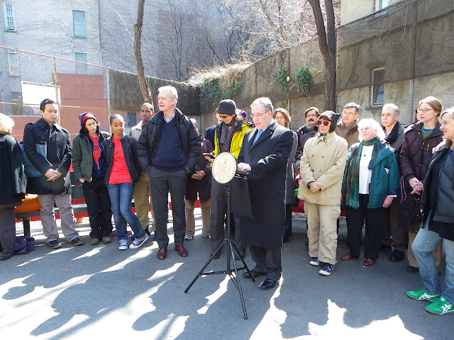 Manhattan Borough President Scott Stringer presents Composting Contest winners (West 104th St Community Garden represenative Jean Jaworek in beige)