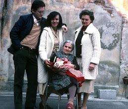 Photo: Pontevico aprile 1979: 4 generazioni a confronto