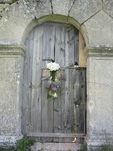 Photo: Ahora queda conservar y reparar la centenaria puerta. Esperemos una actuación acorde con su historia.
