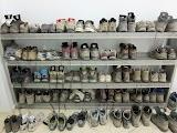 Обувь принято оставлять у входа