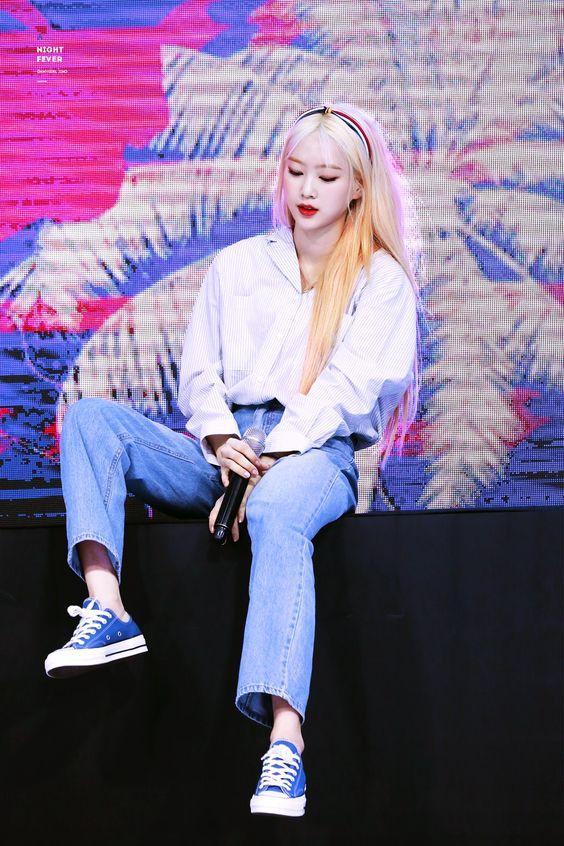 jiho blonde 34