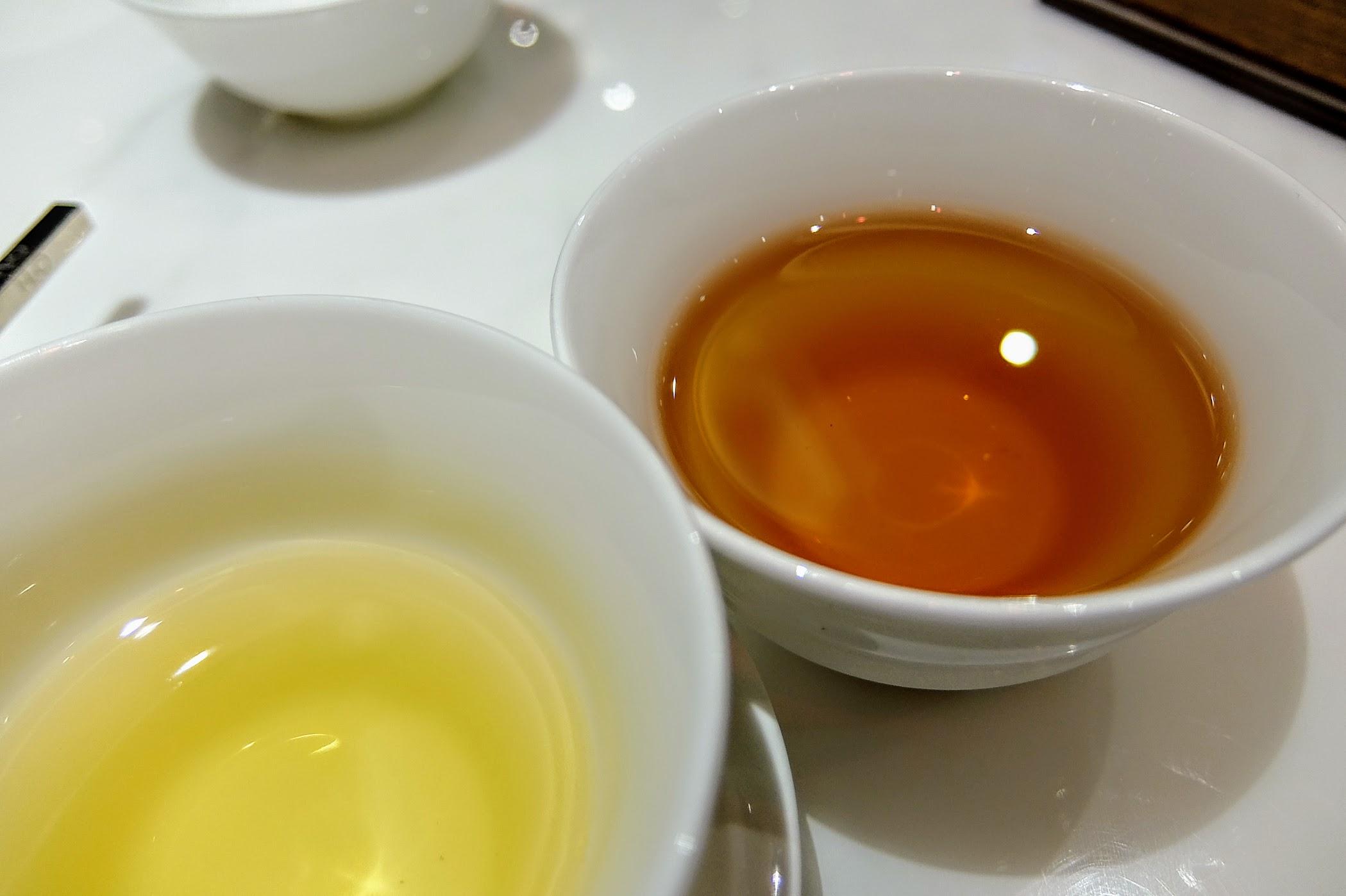 我們這次選擇紅茶和香片的樣子...紅茶還不錯喝呢
