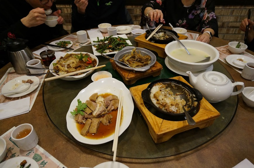 Rice in a Stone Pot, Soy Sauce Duck, Fried Noodles, Melon Soup, Chicken with Long Beans, and Beef Clay Pot