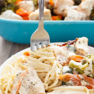 Chicken Fettuccine Alfredo with Carrots, Mushrooms, and Broccoli.