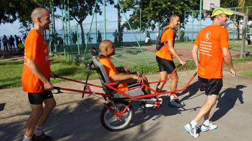 Une équipe aux couleurs du Projet de L'Arche en Martinique au semi-marathon de Fort-de-France
