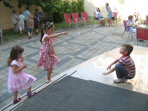 Photo: nagy Júlia, Misike szintén elballagó játszótársak