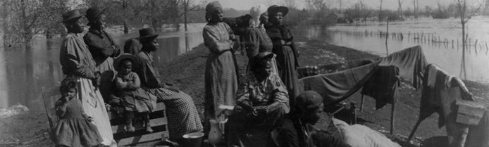 Refugees on levee, April 17, 1897, photo by Carroll's Art Gallery