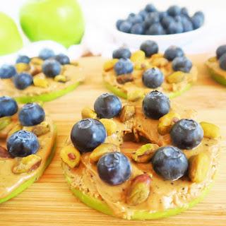 Blueberry Pistachio Apple Sandwiches (Paleo, Low Carb).