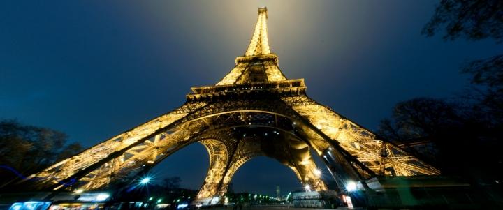 La Triangular Eiffel di Andrea Izzotti