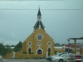 Photo: Iglesia en Curazao