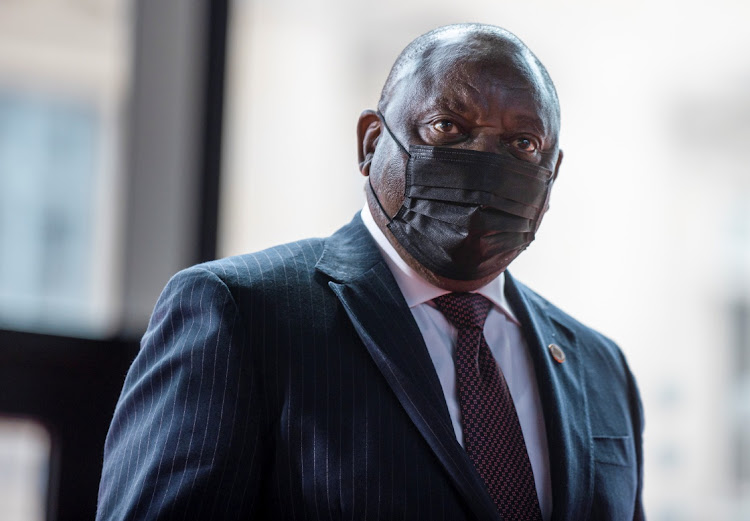 "Cyril Ramaphosa总统在法庭论文中表示,当暂停的ANC秘书长Ace Magashule据称暂停他时,他采取了""老年人的卑鄙""。文件图片。"