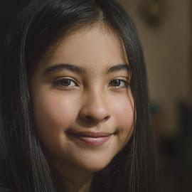 Once Upon Time Portrait by Andrius La Rotta Esquivel - Babies & Children Child Portraits ( amazing, child portrait, portrait photographers, fotografía, photographer, fotográfo, photography, colombia, fotografia )