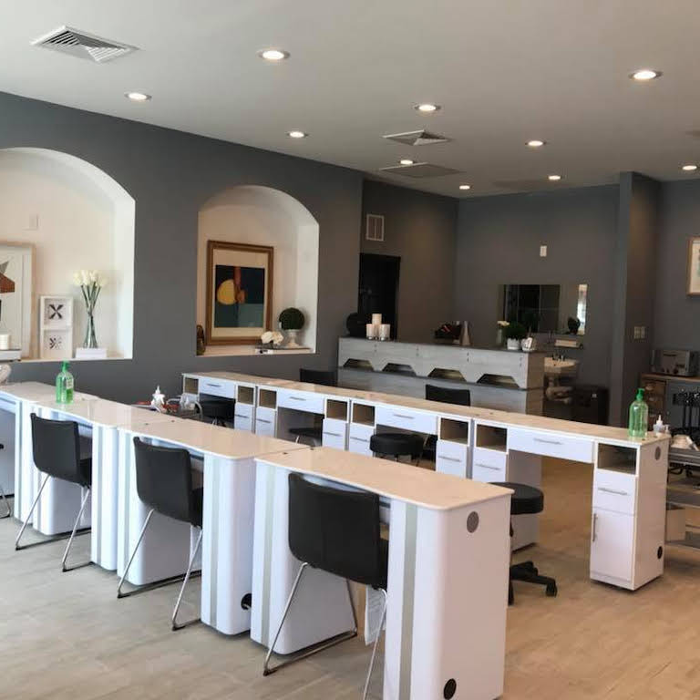 Nail Salon Columbus Indiana: Best Nail Salon In Columbus OH For Dipping