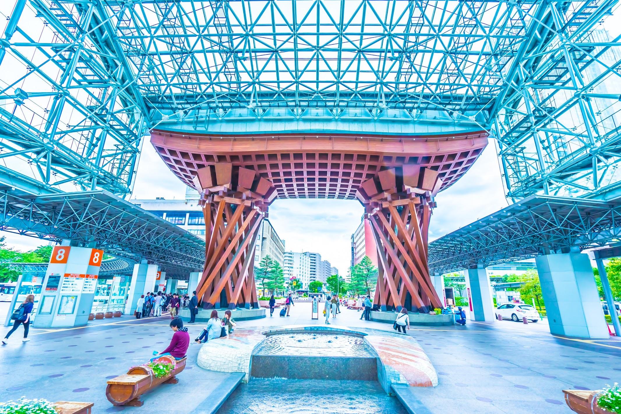 Kanazawa station Tsuzumi-mon Welcome gate (Mote-Nashi Dome)
