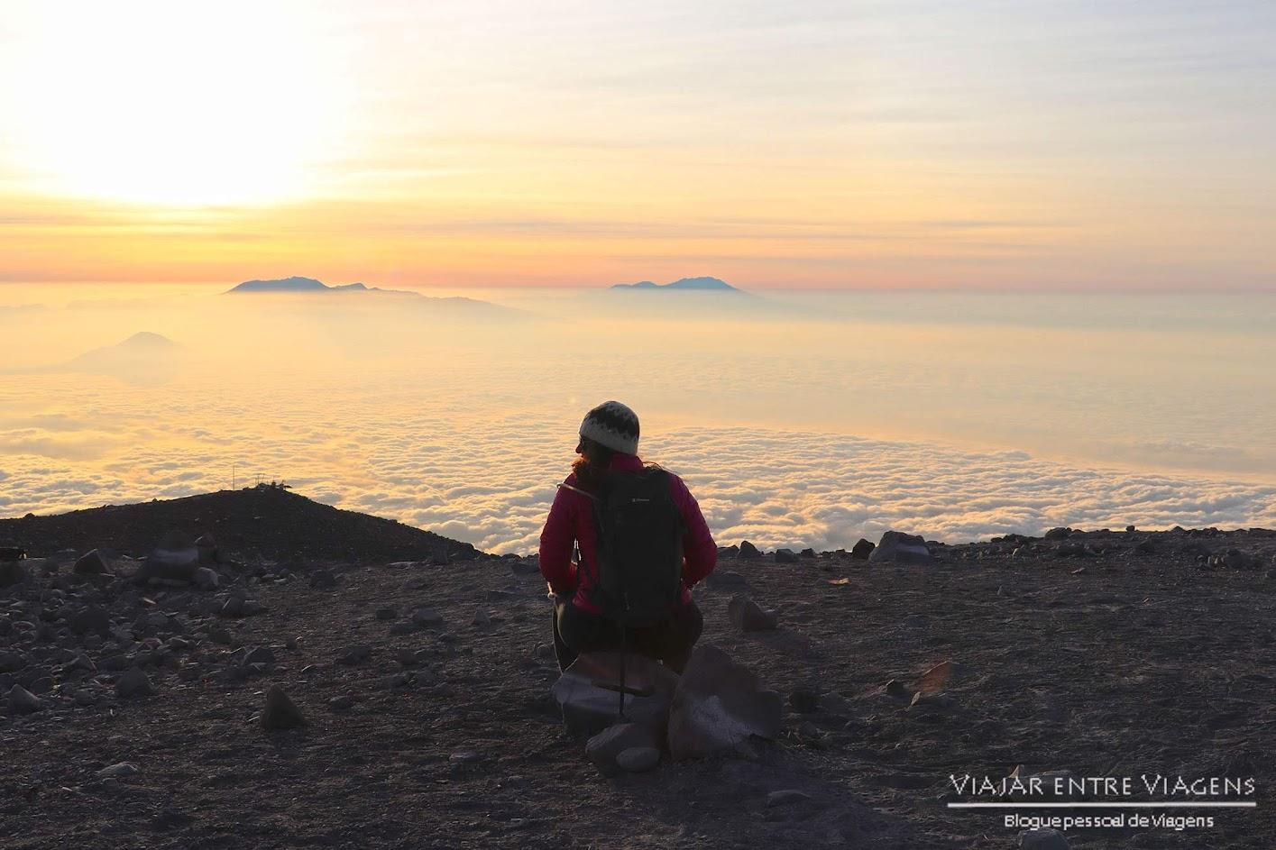 Dia 33 – No cume do MONTE SEMERU (3676m) | Volta ao Mundo