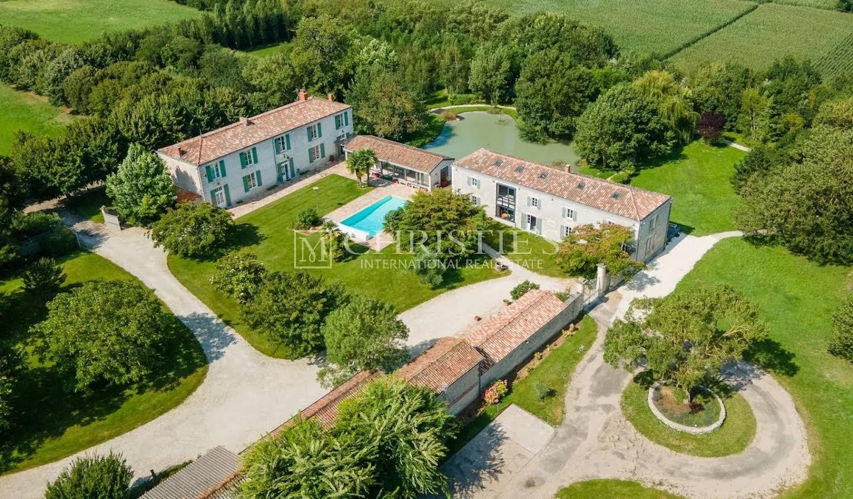 Property La Rochelle