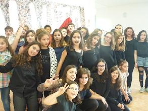 Photo: Alunos em festa na escola