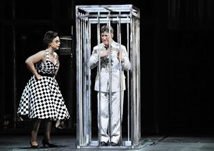 Photo: WIEN/ Theater an der Wien: DIE DREIGROSCHENOPER. Premiere am 13.1.2016. Inszenierung: Keith Warner. Tobias Moretti, Ganya Ben Gur Akselrod. Copyright: Barbara Zeininger