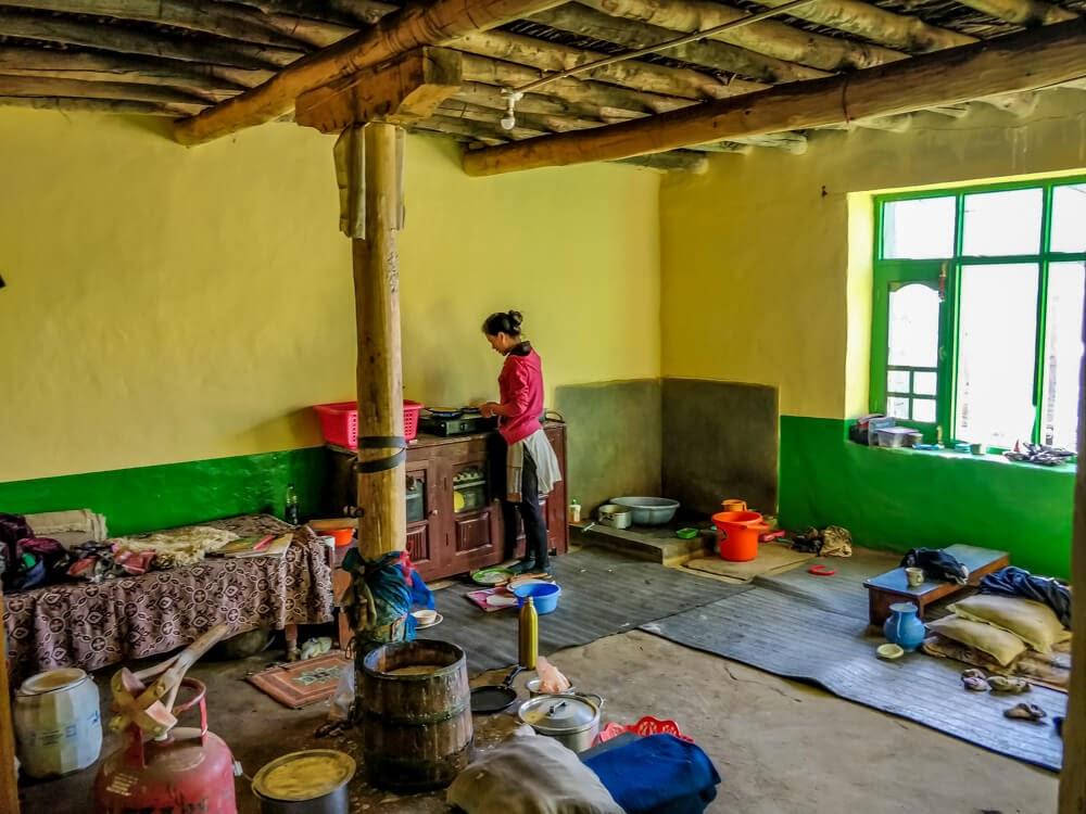 spitian+girl+cooking+demul+Spiti