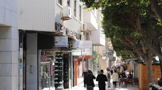 El coronavirus deja en Almería la primera muerte del año en un día con 168 casos
