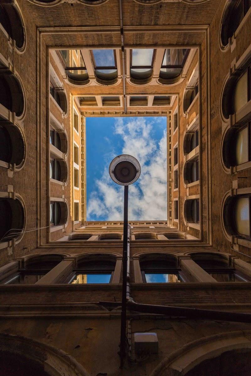 Venice Square di Tiago Marques