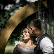 Wedding photographer Denis Suvorov (day77). Photo of 19.08.2018