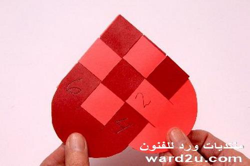 طريقة نسج قلوب ملونه بالبترونات