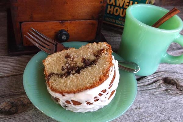 Cinnamon Swirl Sour Cream Coffee Cake Recipe