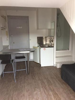 Location studio meublé 12 m2