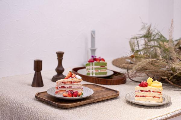 高雄,前鎮區   先生sensei 手作千層蛋糕。屬於草莓狂粉的季節  