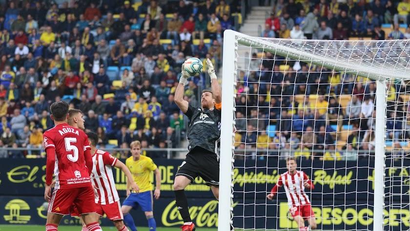 Fernando Martínez durante el partido en Carranza.