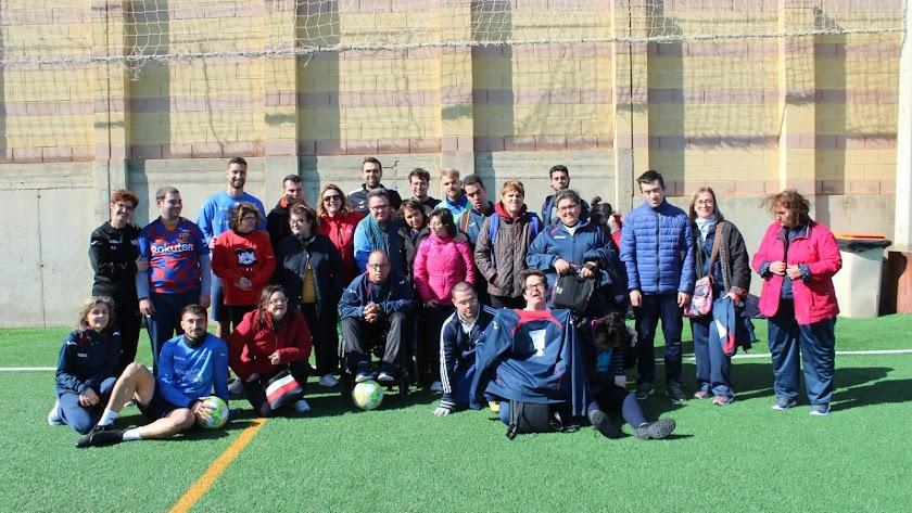 Protagonistas de la actividad organizada por el CD El Ejido.