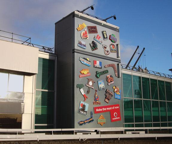 Coca Cola Fridge >> 20 Clever Ads on Buildings