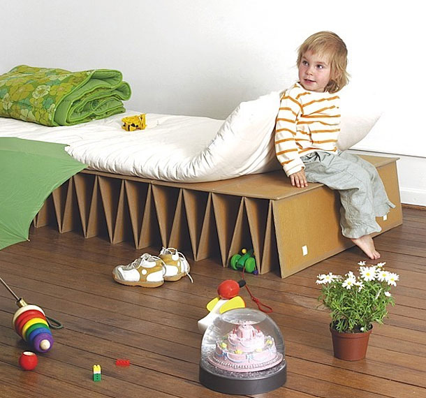 25 Unusual And Creative Beds