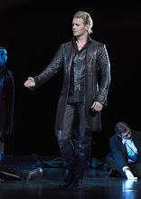 """Photo: MUSICAL """"ELISABETH"""" im Wiener Raimundtheater. Premiere 5.9.2012. Inszenierung Harry Kupfer. Marc Seibert. Foto: Barbara Zeininger"""