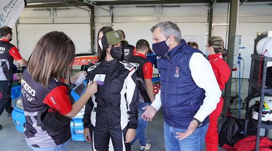 La Diputación patrocina al primer equipo femenino automovilístico de Andalucía
