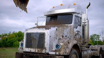 Muddy, Muddy! / The Grump Truck