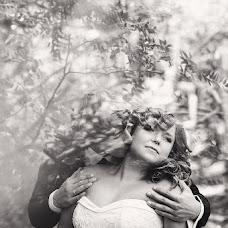 Wedding photographer Viktor Fedotov (vicf). Photo of 11.04.2013