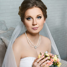 Wedding photographer Alisa Kosulina (Fotolisa). Photo of 10.04.2017