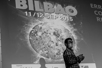 Photo: Julian @Jeibros realiza la sorprendente afirmación de que todo lo que estamos viviendo es un error de copia de la realidad bilbaína, producido por la gravitación anómala que se produce en todos los centros conocidos del universo.