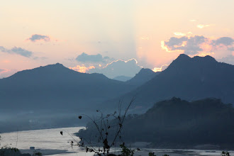 Photo: Day 265 -   Sunset over the Nam Khan River from  Phousi Hill #5