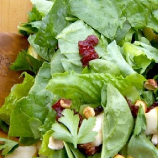 Green Salad with Fresh Pears, Toasted Hazelnuts and Berry Vinaigrette