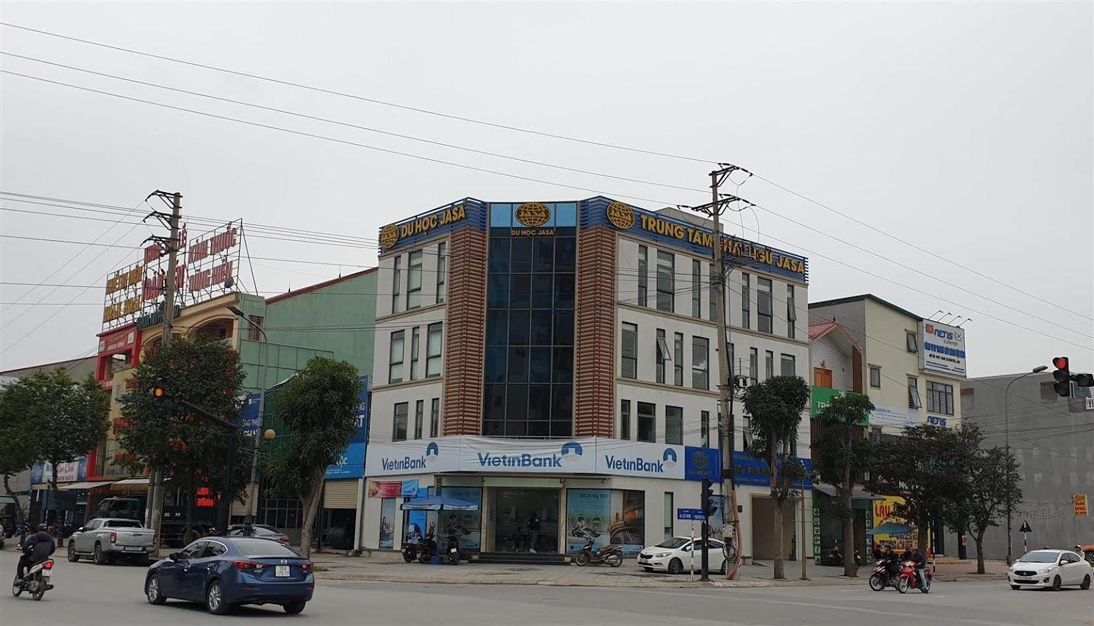 Công ty CP du học quốc tế Jasa, một trong 22 đơn vị tư vấn du học trên địa bàn TP Vinh vừa bị thu hồi giấy chứng nhận đăng ký kinh doanh dịch vụ                 tư vấn du học - Ảnh: THIỆN THÀNH