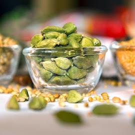 Cardamom by Kunal Kumar Maurya - Food & Drink Ingredients ( bowl, green cardamom, green, cardamom, bowls )